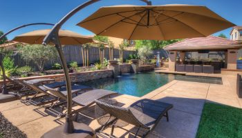 Installing a Gunite Swimming Pool in Your Backyard Space